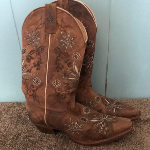 aa6c5dd71 Shyanne Shoes | Worn Once Womens Daisy Mae Cowgirl Boots | Poshmark